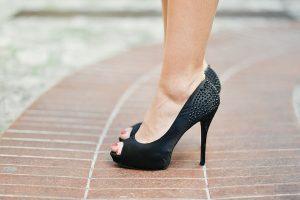 buty czarne na obcasie
